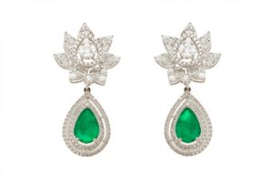 Pair odf earing which would be normally pawned at our pawnshop in beverly hills. We are the top pawnbroker offering loans on fine jewelry in LA.